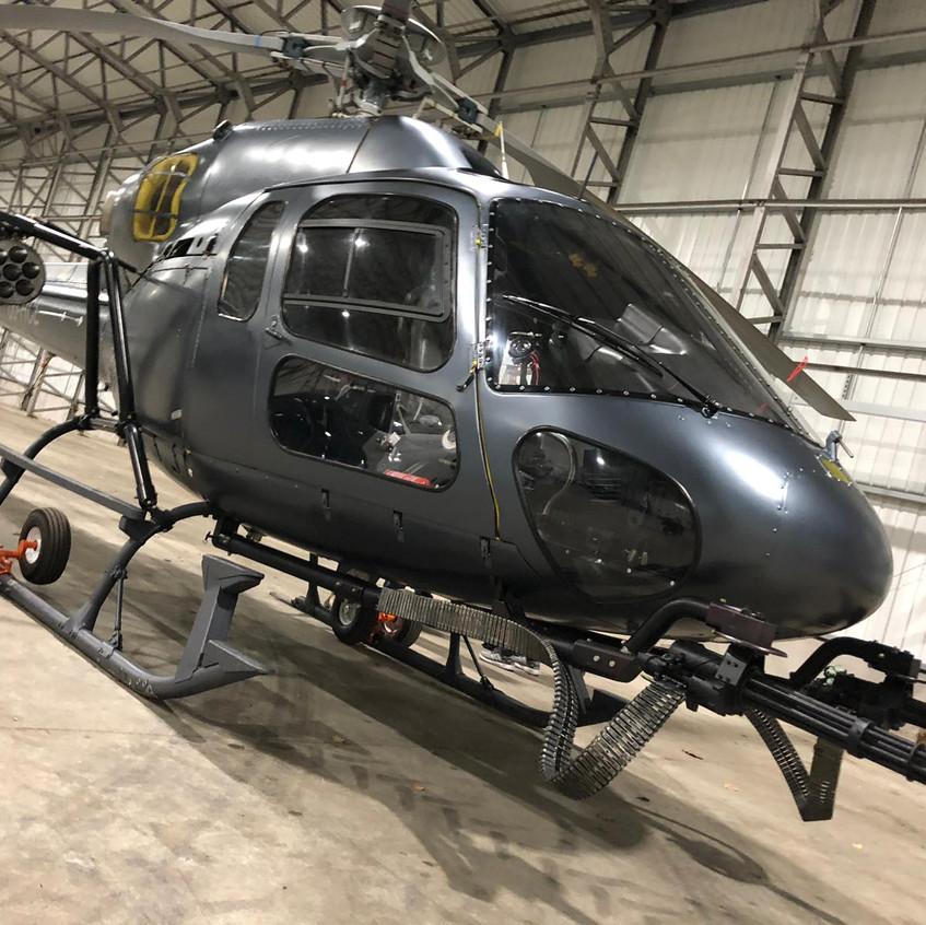 HobbsAndShowHelicopterWrap
