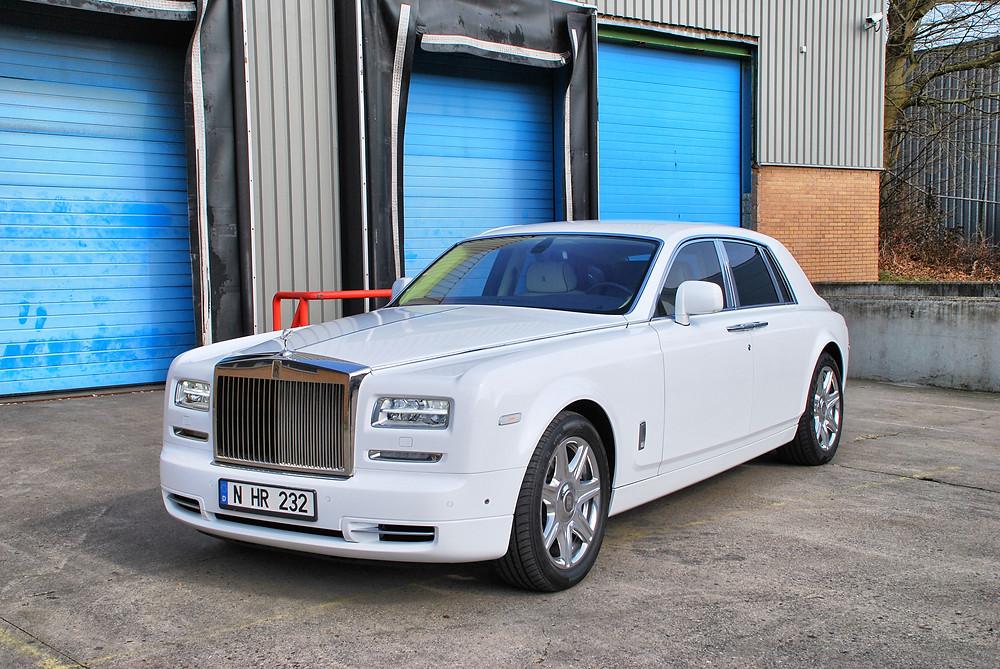 VirginWhite RollsRoyce Phantom Carwrap Chromedeleted blackedout