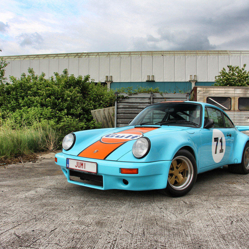 Porsche 911 Gulf striping