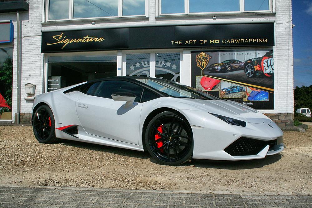 VirginWhite Lamborghini Huracan Carwrap Chromedeleted blackedout