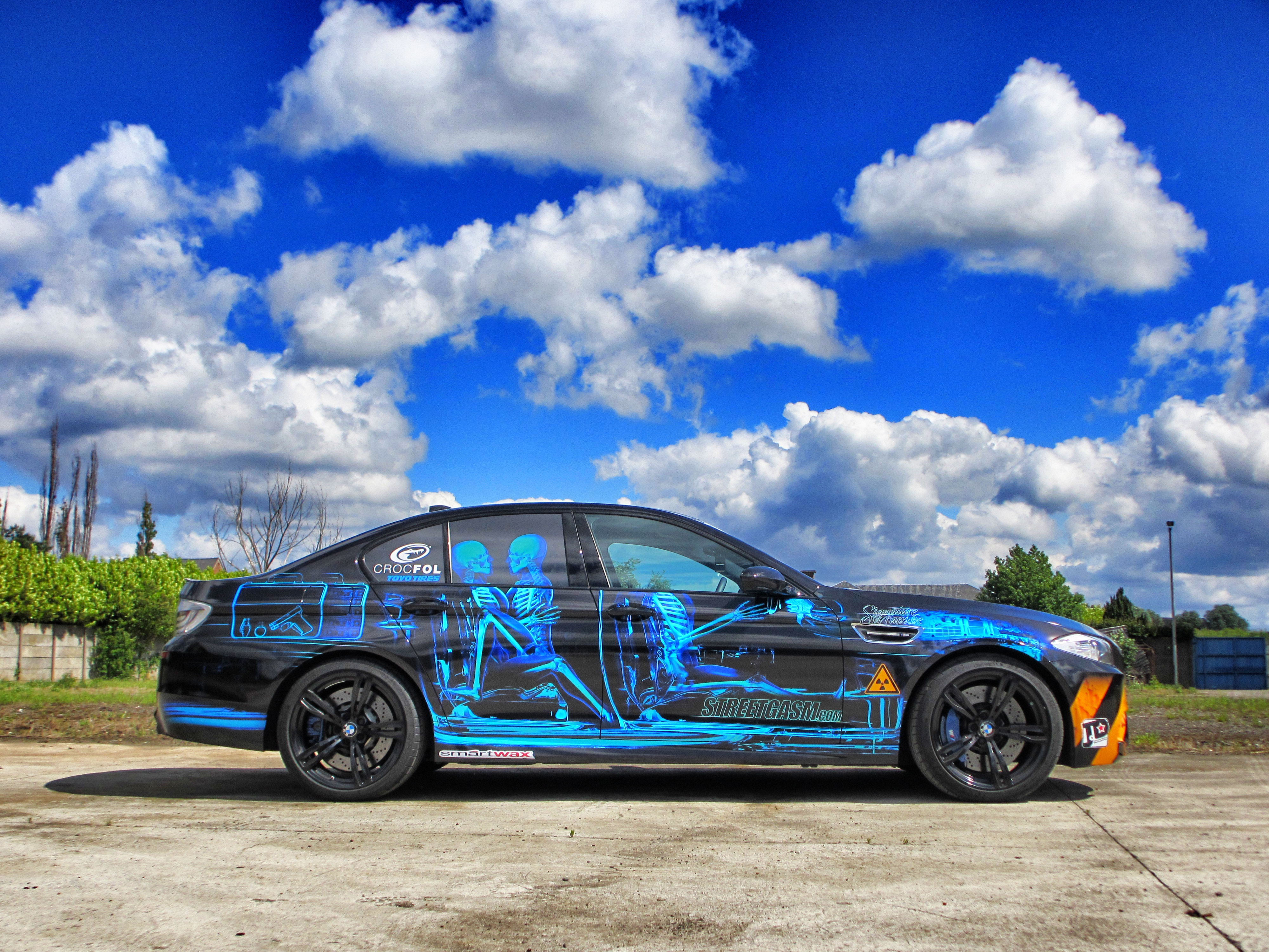 BMW M5 Xray carwrap design