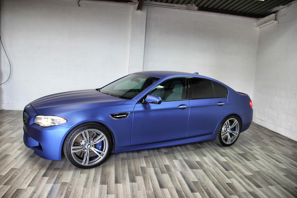BMW M5 Carwrap Matte Mettallic Blue by BCSignature.be