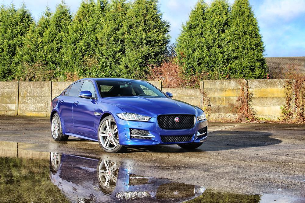 Jaguar XE 3M Gloss Steel Blue Carwrap