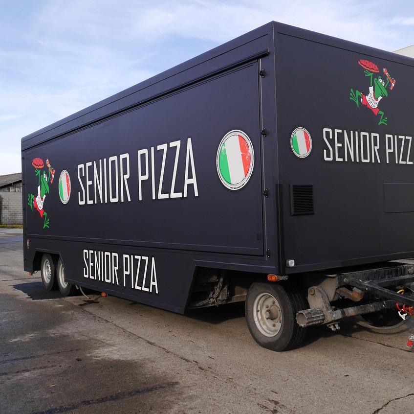 Senior Pizza Marktwagen wrap