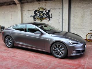 Tesla Model S - Satin Dark Grey wrap