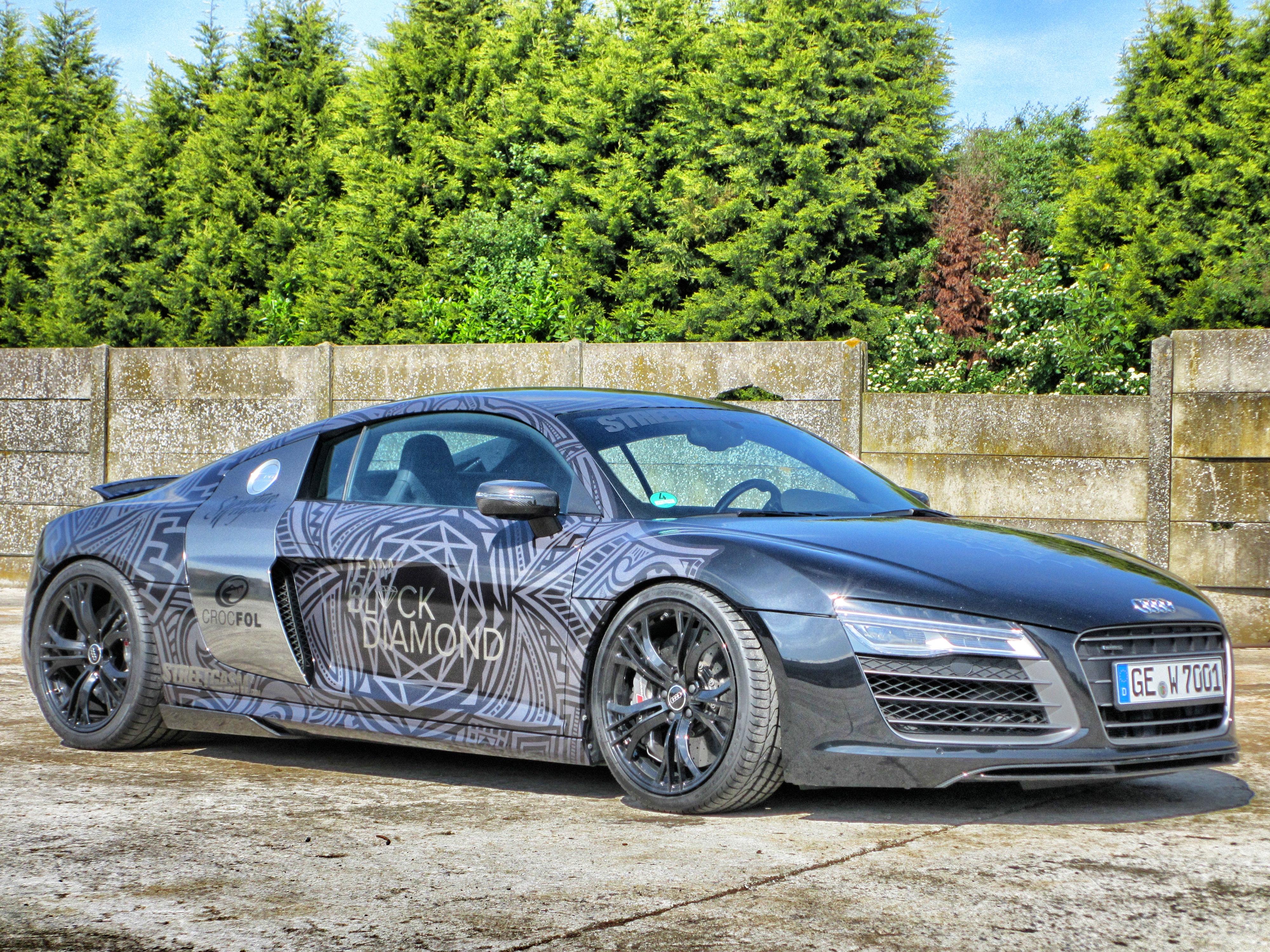 Audi R8 V12 Black Diamond