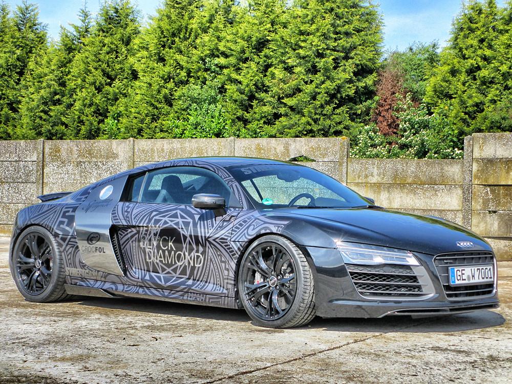 Audi R8 Dark Chrome