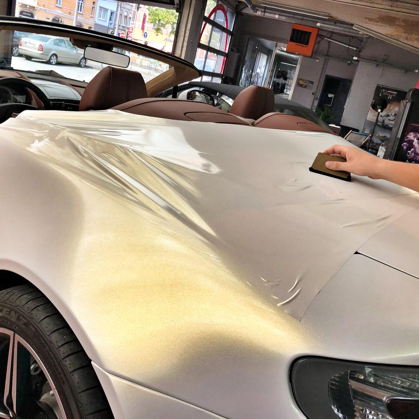Vantage V8 Roadster Starlight Gold