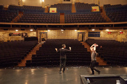 Proben im altehrwürdigen Ambassador Theater am Broadway in New York