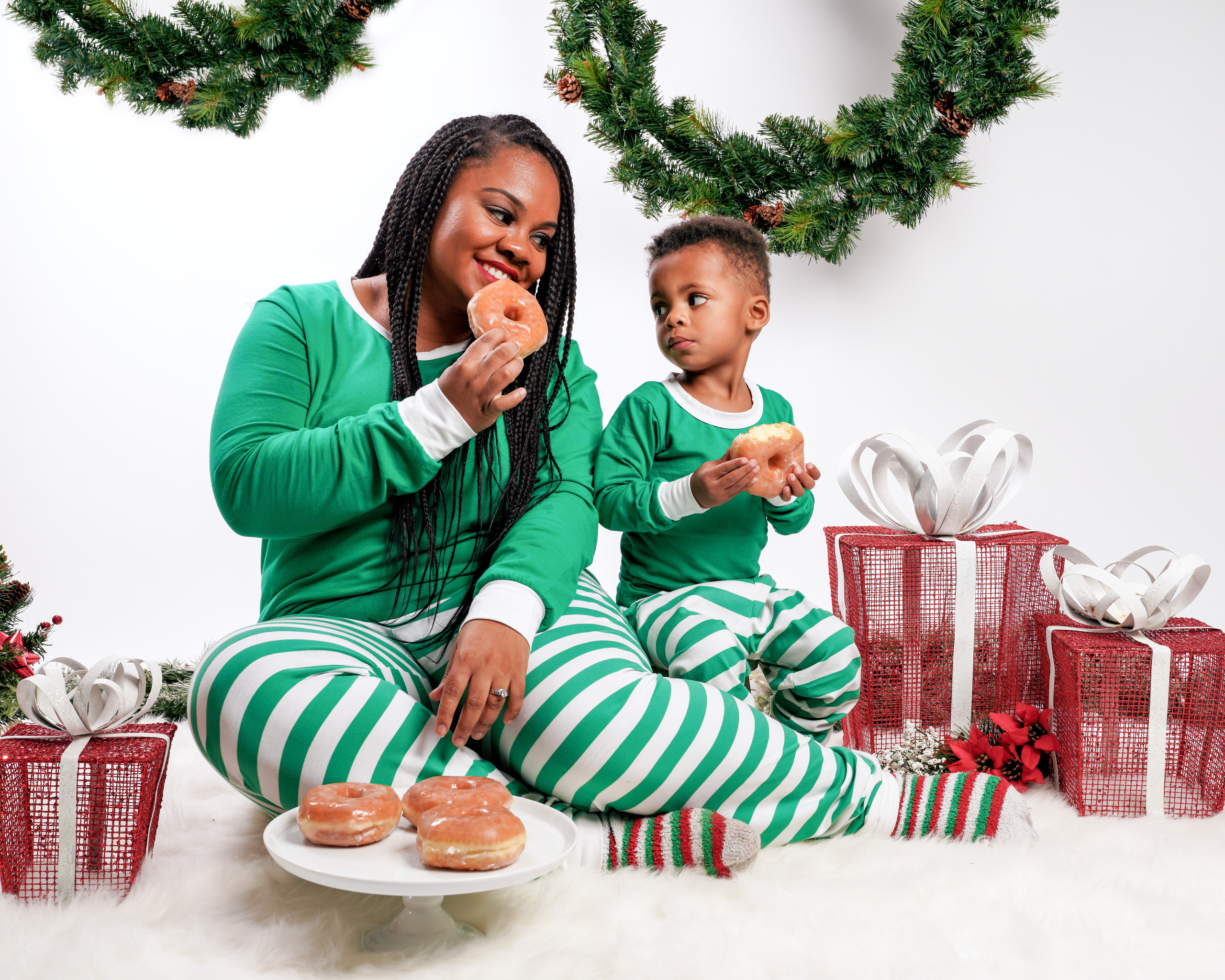 Mommy & Me Christmas Photoshoot - Photography by Tabb