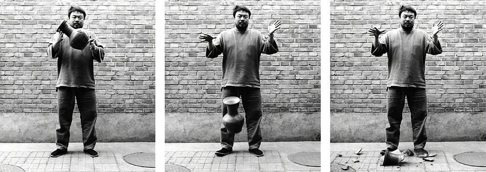 Ai Weiwei - Dropping a Han Dynasty Urn