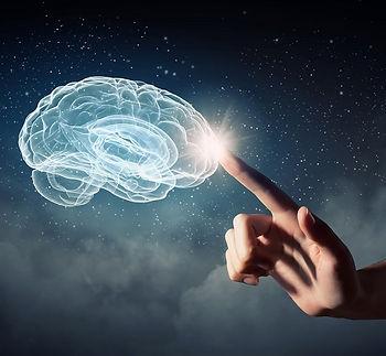 mao-tocando-cerebro.jpg