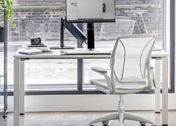 diffrient-world-office-desks-office-chairs-5.jpg