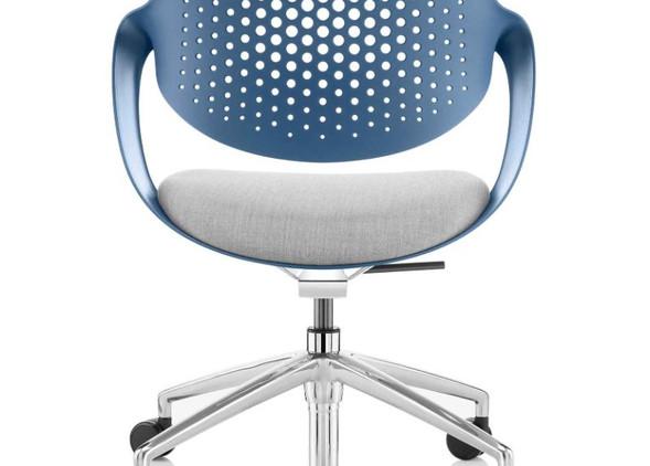 coza-office-desks-office-chairs-4.jpg
