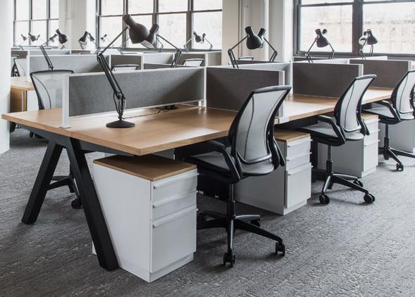 diffrient-world-office-desks-office-chairs-2.jpg