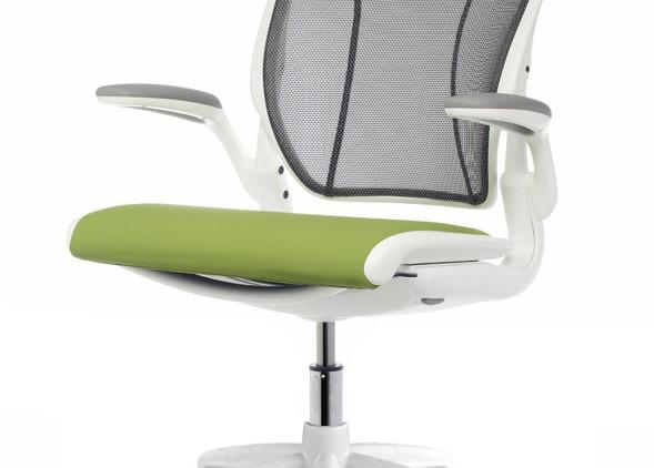 diffrient-world-office-desks-office-chairs-4.jpg
