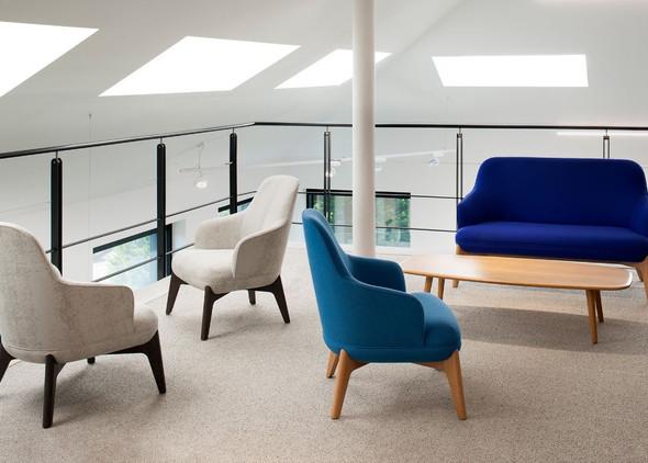 coze-breakout-furniture-1.jpg