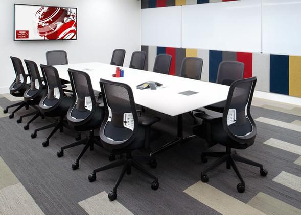 do-office-desks-office-chairs-3.jpg