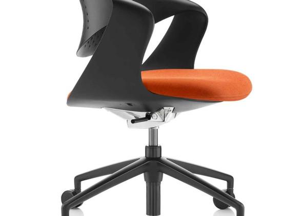 coza-office-desks-office-chairs-5.jpg