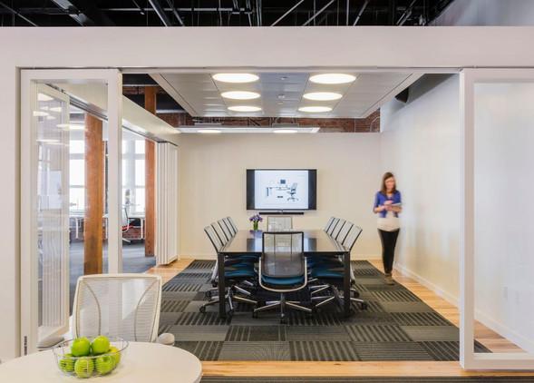 diffrient-world-office-desks-office-chairs-3.jpg