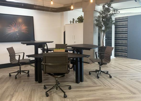disc-office-desks-office-chairs-2.jpg