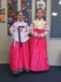 Irene and Luna in their Hanboks on Cultu
