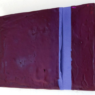 Massa de cor roxa, 2015 Tinta acrílica, tinta spray e tinta serigráfica sobre tela. 24x18 cm