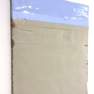 Sem título, 2016 Tinta acrílica e resina sobre cimento. 23x18x2cm