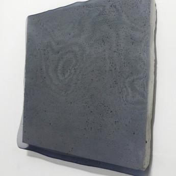 Sem título, 2017 Organza sobre cimento. 43x40x3cm