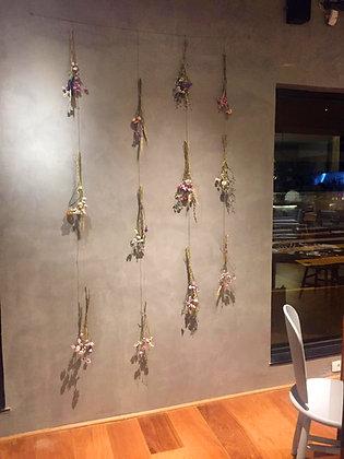 Restaurante Animus -                                     Cortina de Flores Secas