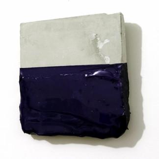 Sem  título, 2016 Tinta de serigrafia e resina sobre cimento. 15x14x1cm