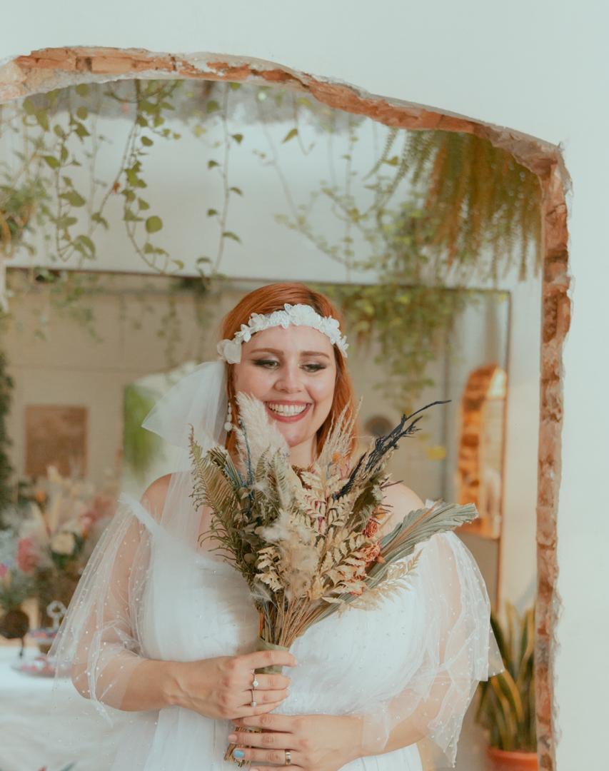 Buquê de noivas com flores secas