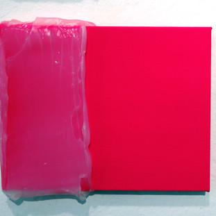 Magenta silicone fosco, 2015 Tinta acrílica e silicone sobre tela. 15 x 20cm