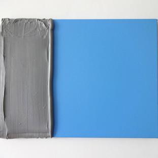 cinza silicone azul, 2015 tinta acrílica e silicone sobre tela  31x40x2,5 cm