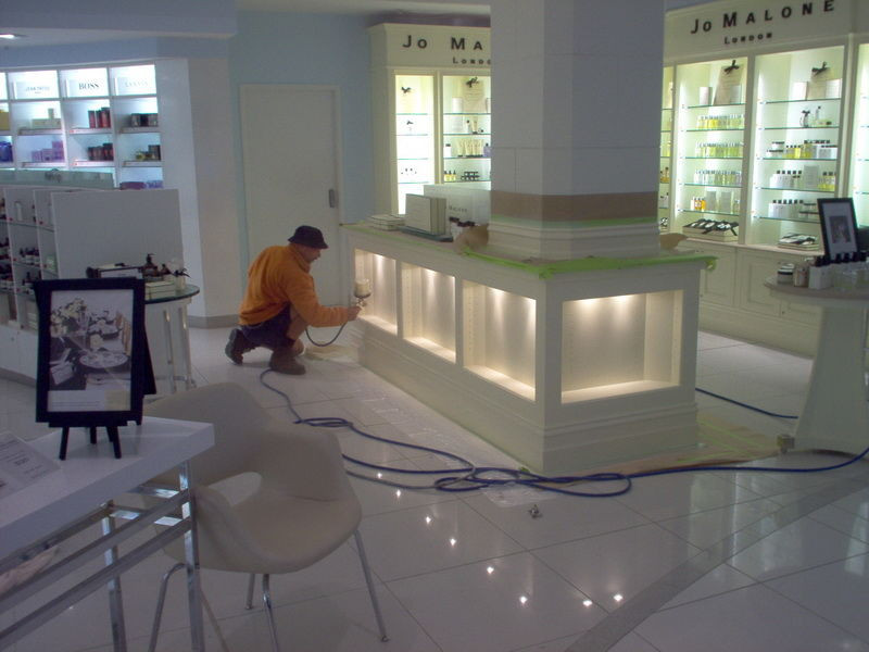 Commercial Spray Painting Retail Paintin