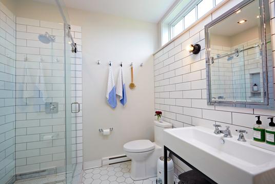 519-House_Bathroom-3.jpg