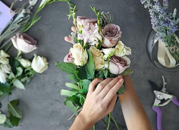 5ecf7c9cd678e_entretenir_bouquet_fleurs_