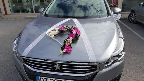 décor véhicule mariage fleuriste le chant des fleurs Franois Besançon