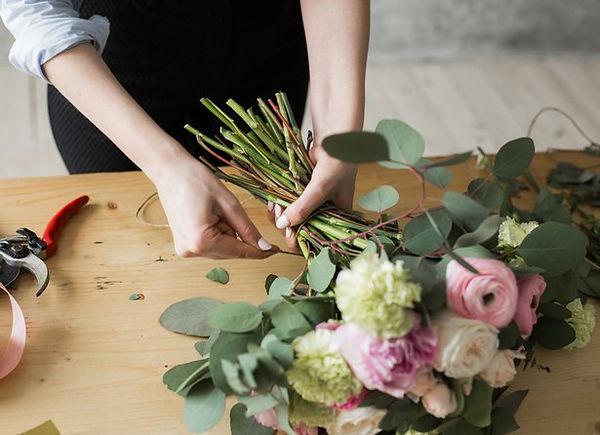 5ecf7c928b54f_entretenir_bouquet_fleurs_