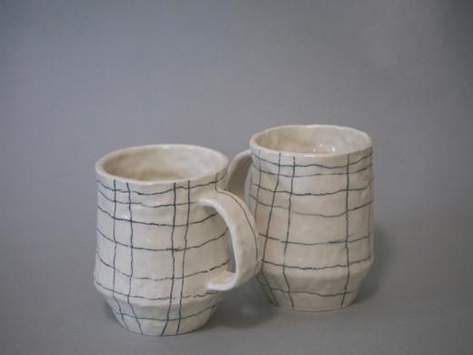 Pinch grid mug