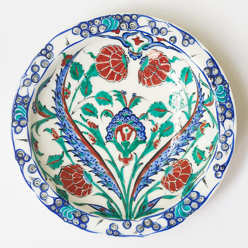 Highly decorative reproduction 16th century fluted Iznik plate no. 2
