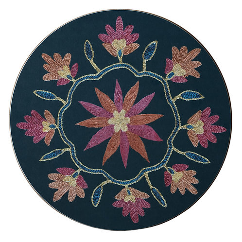 Daisy and garland table mat in dark blue (price is per mat)