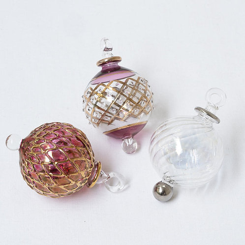Mixed set no. 14 of 3 Christmas baubles