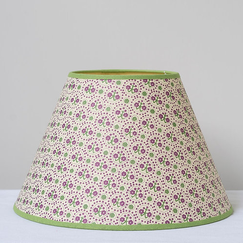 "12"" (30cm) base card shade with green trim"