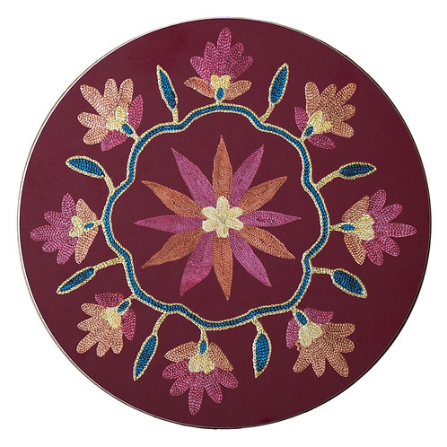 Daisy and garland table mat in burgundy (price is per mat)