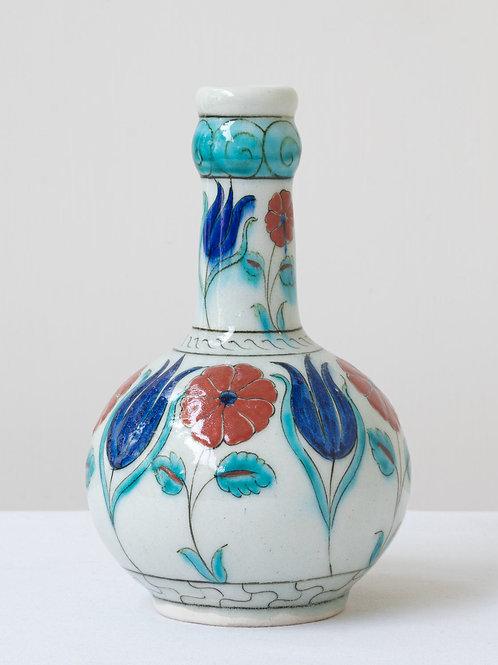 (5) Decorative Iznik inspired ceramic vase