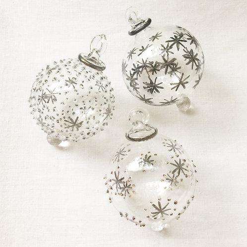 Mixed set no. 15 of 3 Christmas baubles