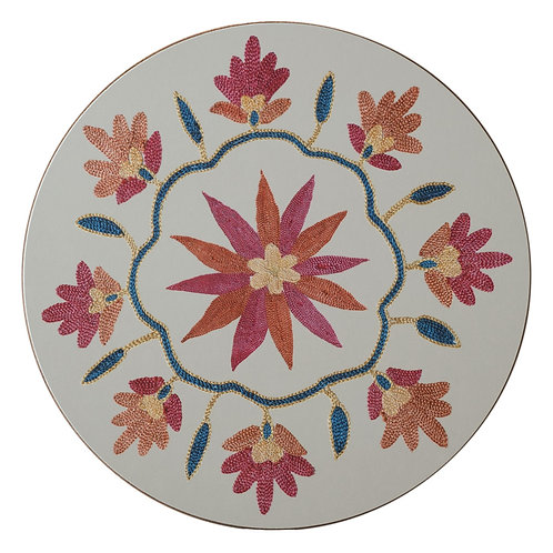 SECONDS Daisy and garland table mat in cream (price per mat)