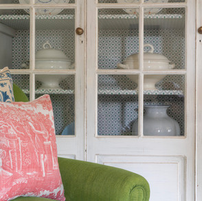 Smart, pretty and fresh drawing room close-up
