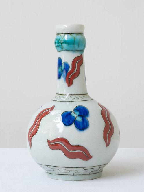 (10) Decorative Iznik inspired ceramic vase